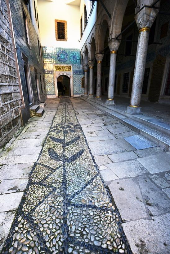 artborghi-imperial harem istanbul-1