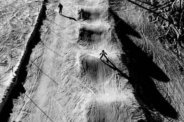 artborghi- black and white snow -15