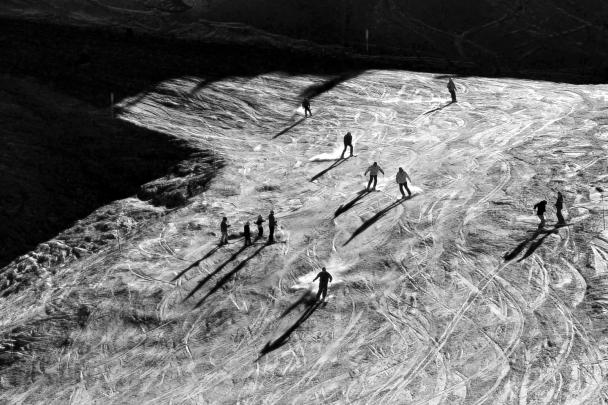 artborghi- black and white snow -8