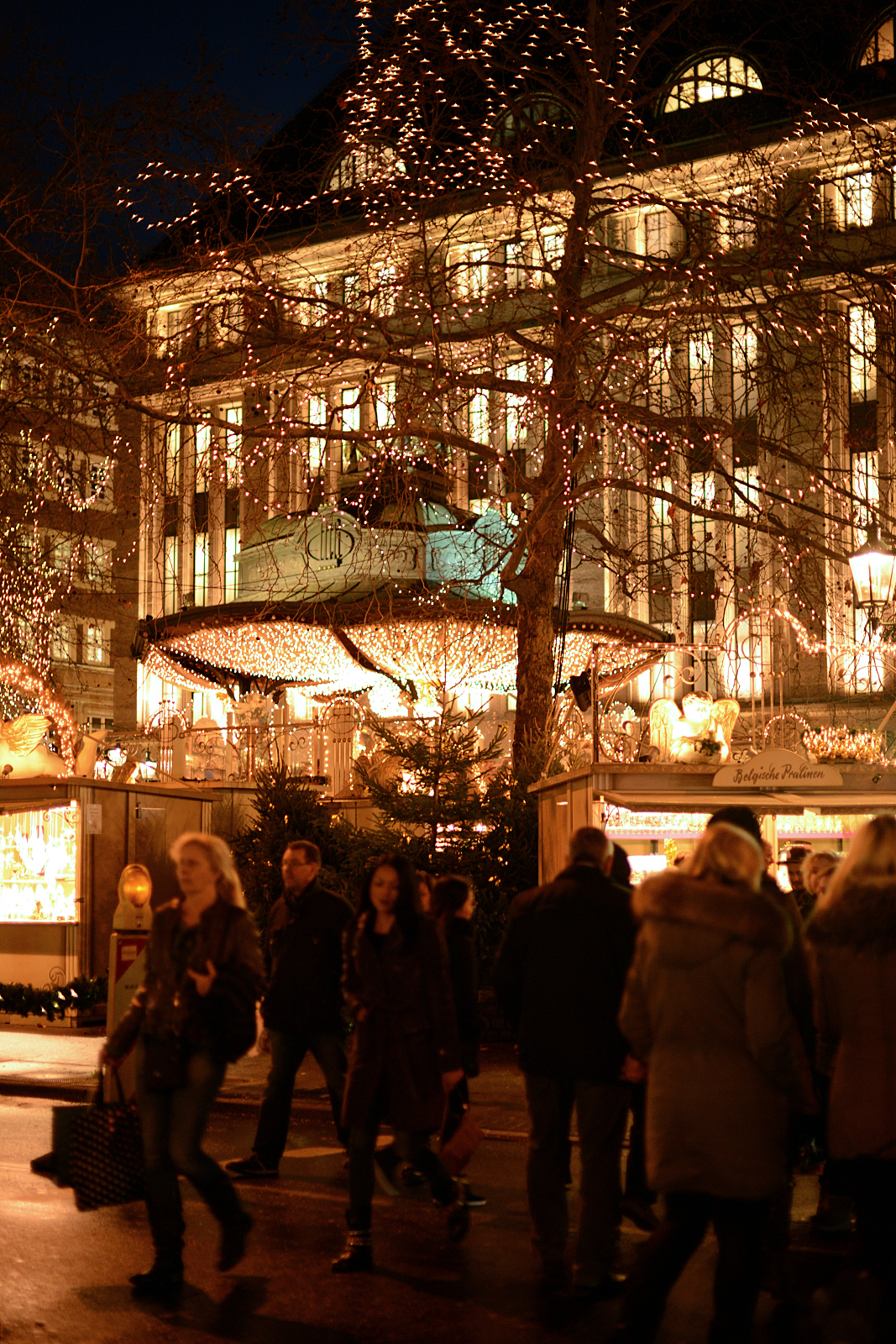 frohe weihnachten in germany d sseldorf christmas markets 2014. Black Bedroom Furniture Sets. Home Design Ideas