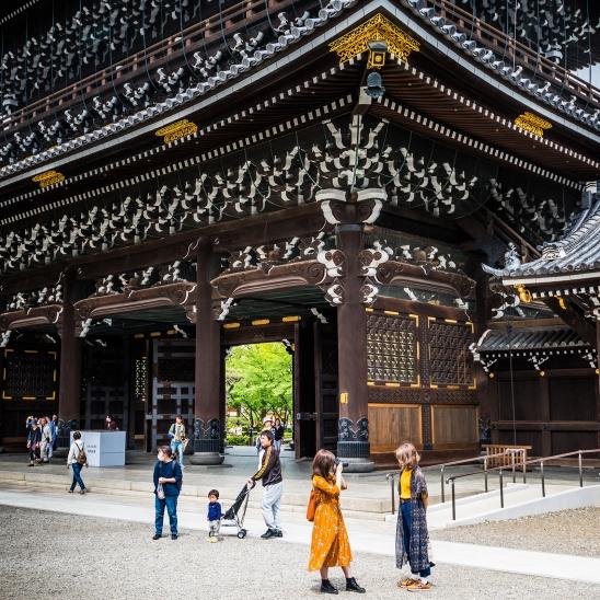 Main entrance, Higashi-Hongan-ji Temple, Kyoto
