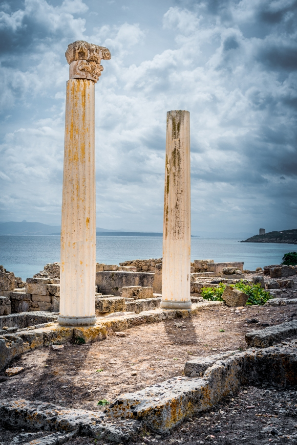 The fake columns (but original capital on one top) at Tharros, Sinis peninsula