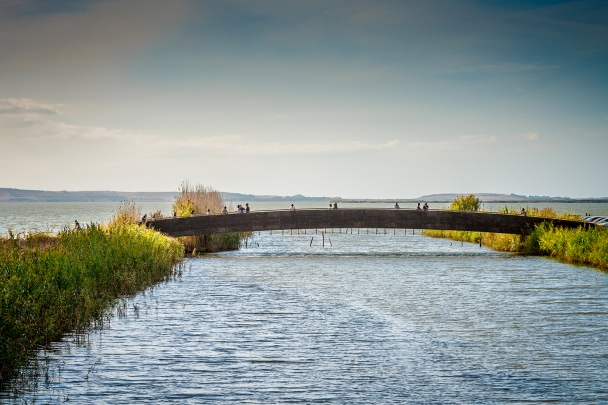 Bridge across the Tanui river towards Mare Morto, Cabras