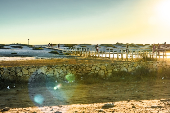 Bridge to the white quartz beach of Mari Ermi