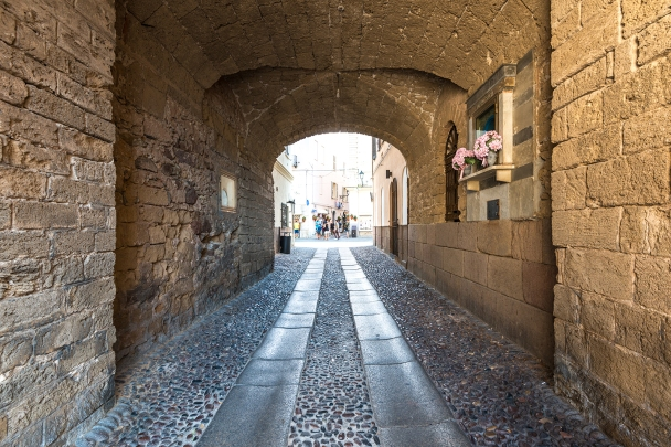 Town gate through the thick, Medieval Spanish walls, Alghero