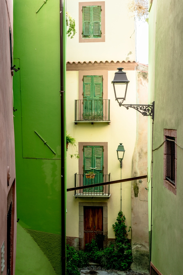 Through the streets of Bosa