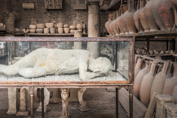 Solo corpse, mold from body remains, 29.8.79 AC, Pompeii
