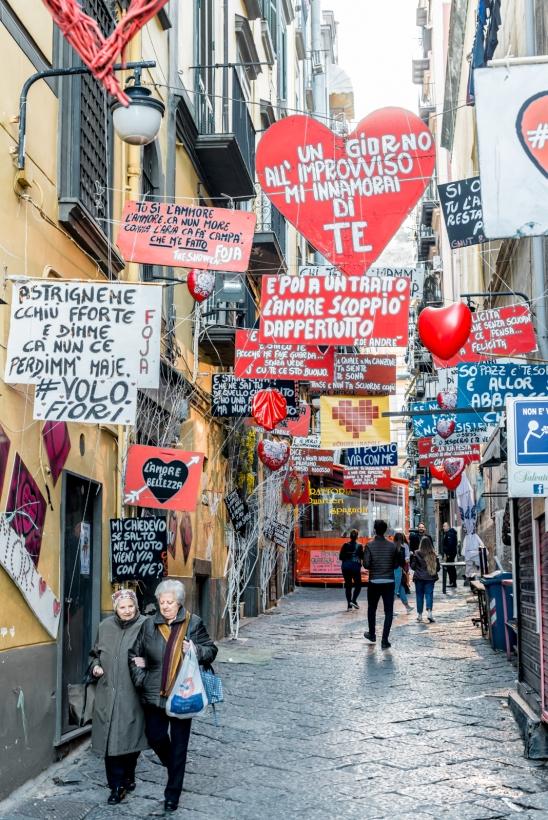 Vicolo dei fiori, Spanish Quarters, Naples